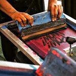Proč tisknout sítotiskem? ☝️ Přesnost do nejmenšího detailu ☝️ Top kvalita ☝️ Nejtrvanlivější ze všech tiskových technik . .. . #sitotisk#sítotisk#potisk#screenprint#printing#potiskplzen#plzen#pilsen#plzeň#potisktextilu#potisknatricko#potisknaprani #potisktasek#sitotiskem#sitotiskcz#sitotisktextilu