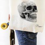 Poctivá plátěnka s poctivým designem💀 . .. . #platenka#plátěnka#designovataska#lebka#skull#skulldesign#bavlna#cotton#taskapotisk#potiskplzen#bagooo#onlineshopping#pilsen#plzen#eshop#tašky